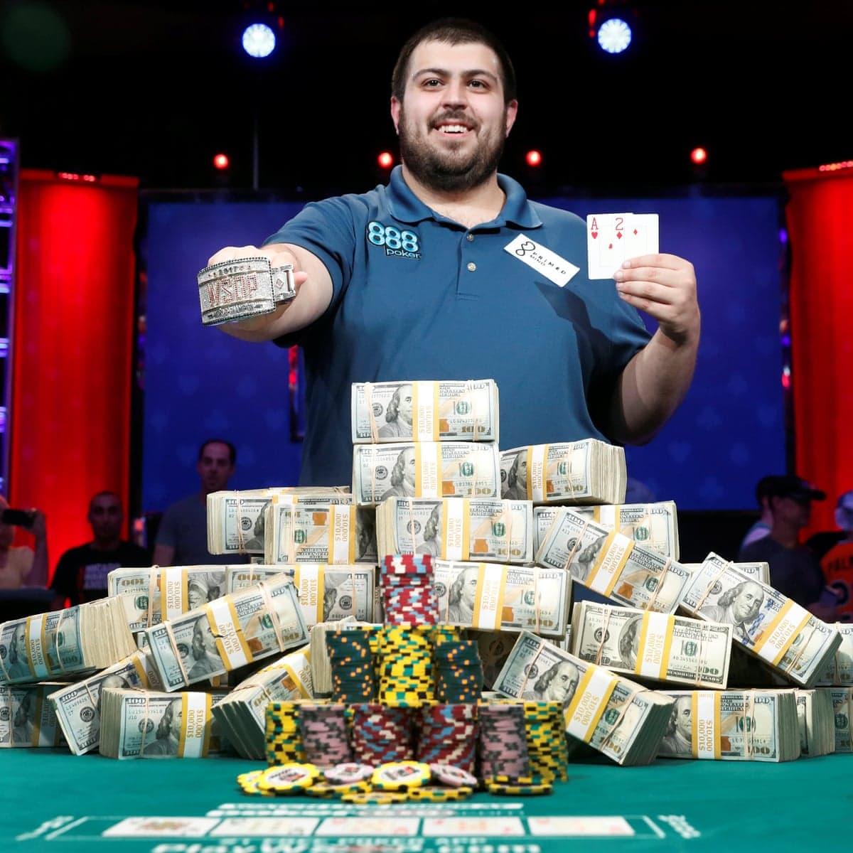 Poker-la-gi-cach-choi-poker