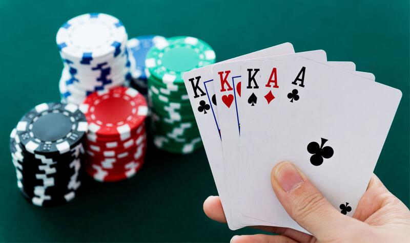 nha-cai-poker-online